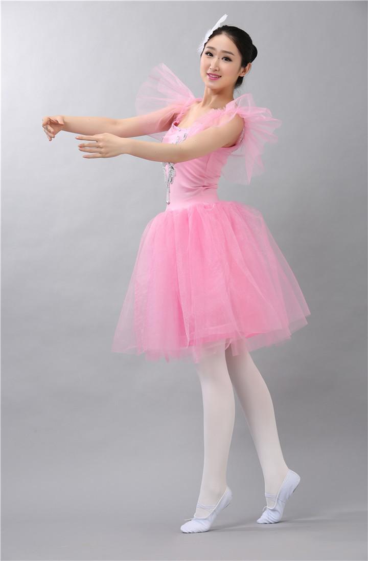 Famoso Diseñadores De Vestidos De Baile Famosos Regalo - Ideas de ...