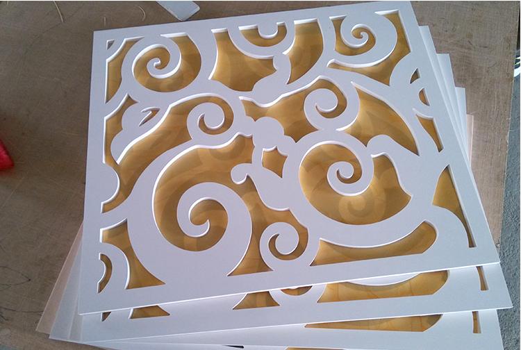 定製現代pvc鏤空花格懸吊式天花板雕花板材裝飾過道走廊頂上祥雲造型木雕