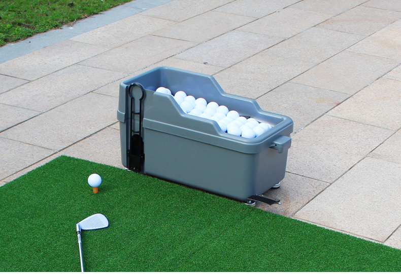 新品室內高爾夫 發球機 半自動發球機 練習場配件 高爾夫球設備