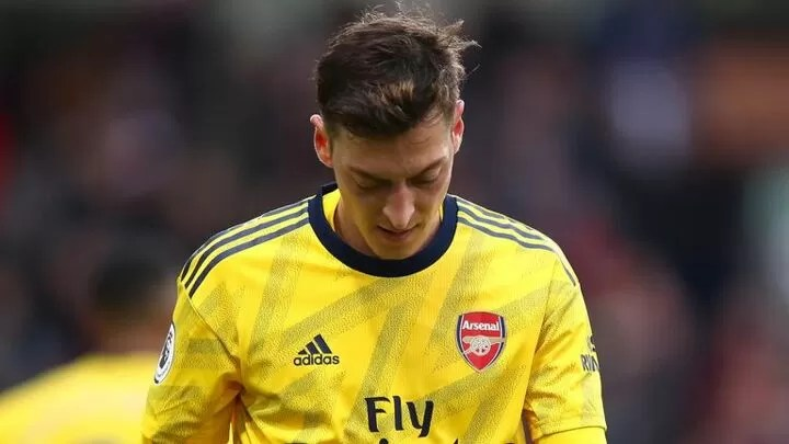 Very difficult' for Ozil to get back into team, says Arteta 3