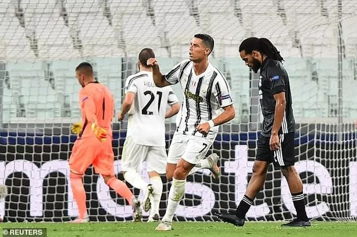 Cristiano Ronaldo breaks silence after Champions League exit, promising to 'come back stronger' 3