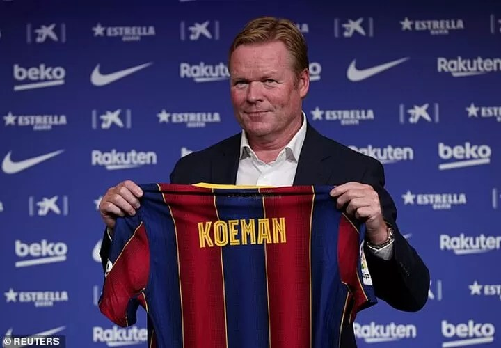 Suarez and Vidal LEFT OUT by Ronald Koeman for his first Barcelona squad 2