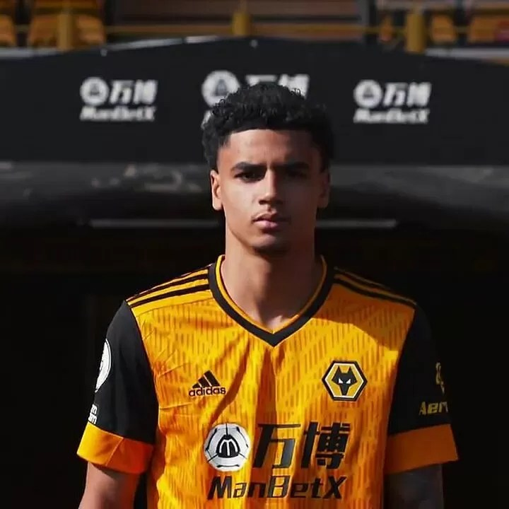 Liverpool confirm the £41m signing of Wolves forward Diogo Jota 4