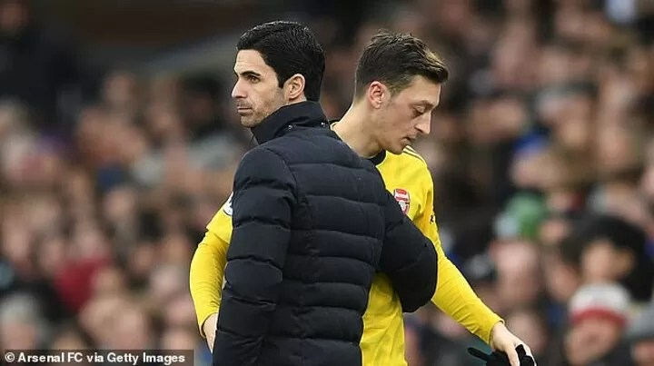 Arsenal slammed for a lack of loyalty 2