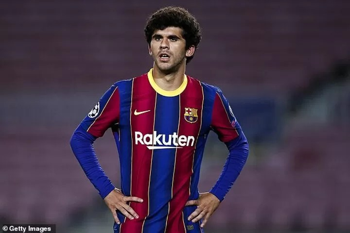 Leeds 'enter the race to sign Barcelona midfielder Puig in January' 3