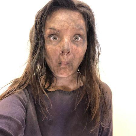 Cassady McClincy as a zombie