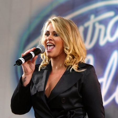 Kate performs during an Australian Idol Concert