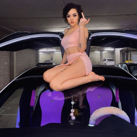 Ppcocaine on her Car