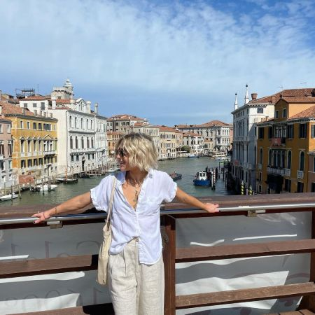 Lizze having her best time in Italy