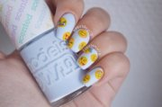 17 pieces of emoji nail art
