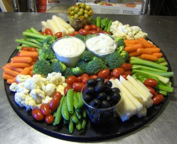 Double Dip 20 Yummy Veggie Trays for Any Occasion