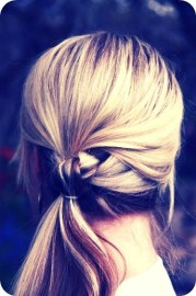 knotted ponytail - 25 super-easy