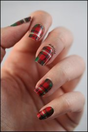 awesome plaid nail art design
