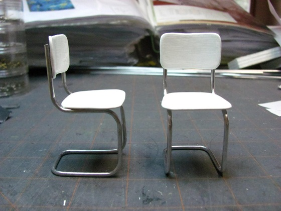 vintage kitchen chairs prefab outdoor grill islands chair 10 amazing diy miniature tutorials by 1