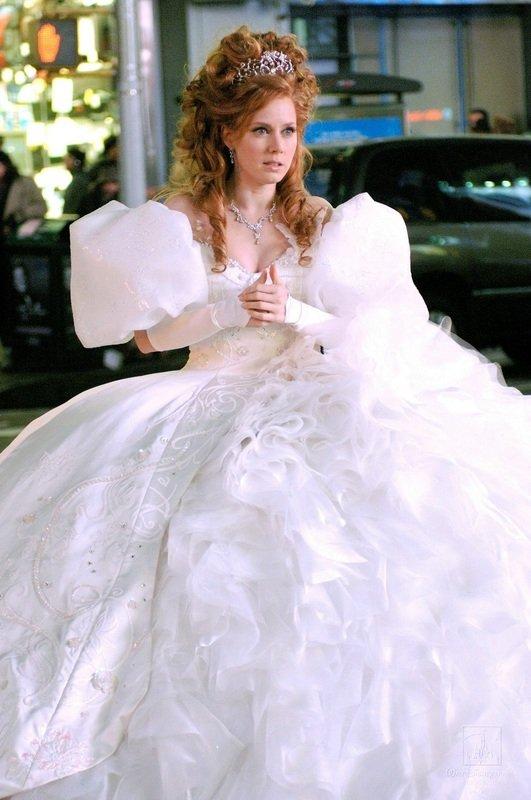 你會喜歡這些華麗的婚紗,從電影和電視節目! → Community