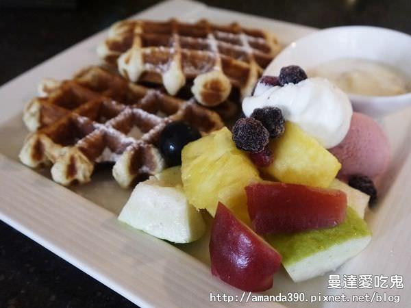 【台南美食】隱藏於豪宅內的小確幸。ORO咖啡凱旋店。台南早午餐|台南下午茶|台南東區