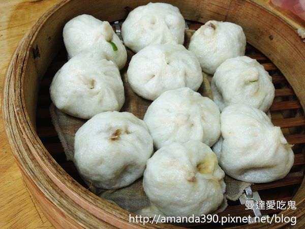 【新竹美食】每日限量關東橋小籠包。隱身於市場內的無店名人氣早點