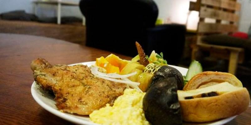 【台南美食】泡卡芙 Puff Cafe'。老教堂化身複合式咖啡館!台南早午餐|台南中西區