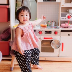 Kid Kraft Play Kitchen Bistro Set 育兒 德國hape木質玩具 媽媽寶寶一起瘋玩的小廚房跟積木們 Angel S