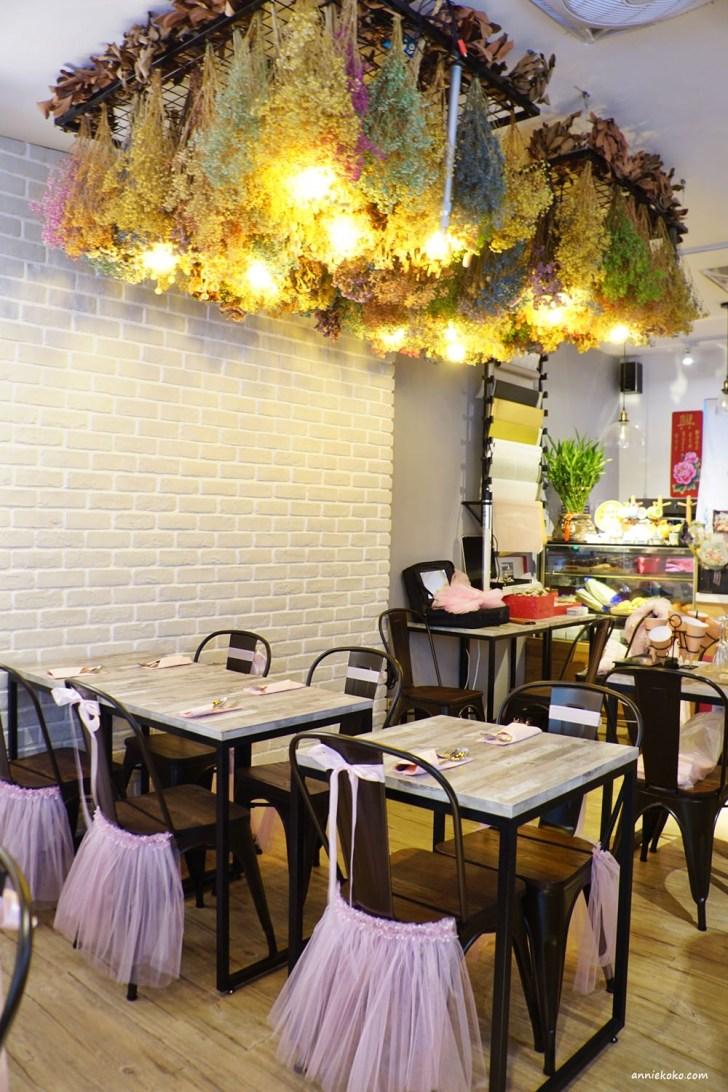 20180825211547 16 - 新店區公所站美食│花草慢食光,充滿花藝的浪漫空間,餐廳裡開派對