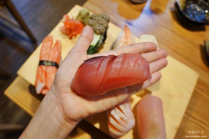 20190428020403 83 - 板橋美食 坐一下吧溫暖小酒館 超強巨人國握壽司 沒排個一小時是吃不到的喔