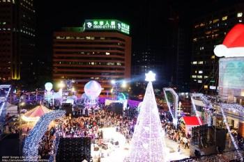 [分享] 台北耶誕點燈 拍照玩樂好好玩 ♥ 統一時代百貨台北店 開啟你的新時代。愛.Sharing!!