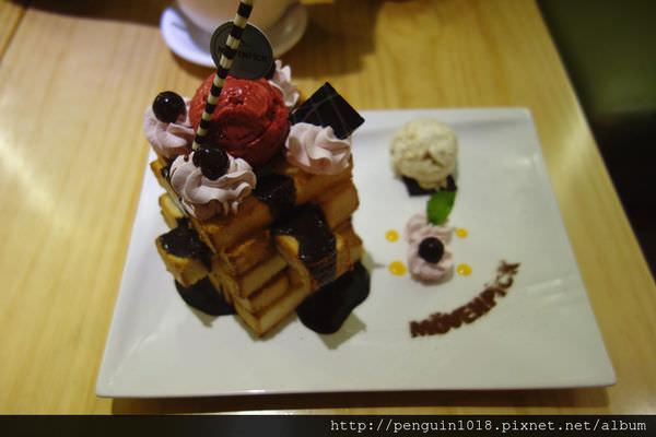 【台中】莫凡彼咖啡館(台中金典店);非來品嚐不可的頂級冰淇淋蜜糖吐司!!
