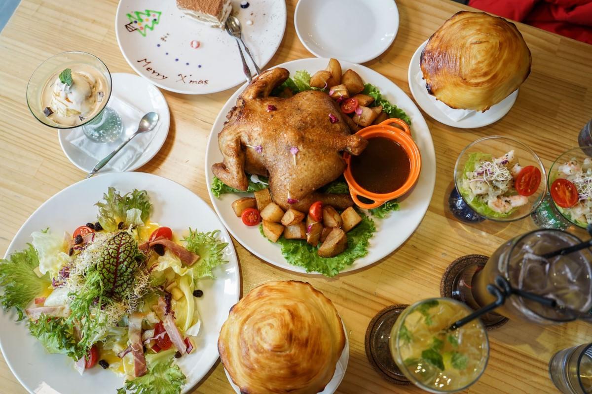 A.A.i義法小館(歇業)   聖誕跨年聖誕套餐,期間限定外酥內嫩烤全雞,員林聖誕到跨年約會情人套餐推薦。