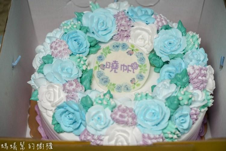 酪梨牛奶糖甜點工作室   客製化蛋糕,韓系玫瑰花朵滿滿浪漫氛圍。造型蛋糕/糖霜餅乾/各式造型甜點都可預定。