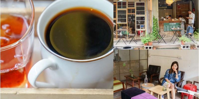 台中前廊咖啡 | 台中巷弄轉角咖啡,第一次喝拿鐵使用啤酒杯,手沖一搭一,近新光三越。