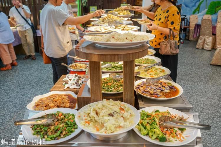 清心緣蔬食坊 | 超狂彰化市蔬食吃到飽!熟食、甜點、創意蔬食均衡營養又美味!