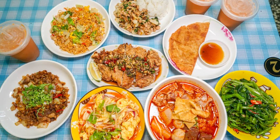 泰小葉泰式風味小食 | 台中北屯平價泰式料理小館,百元有找打拋豬、冬蔭功,適合多人聚餐。