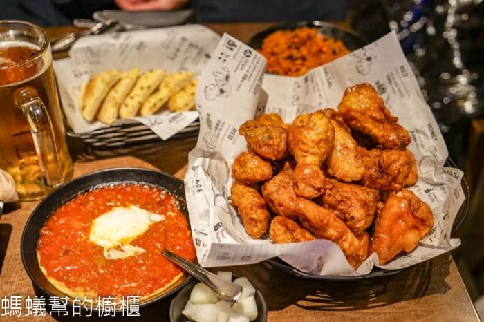 橋村炸雞Kyochon(弘大店) | 韓國必吃炸雞名店,經典炸雞配啤酒,朋友推薦半半組合。