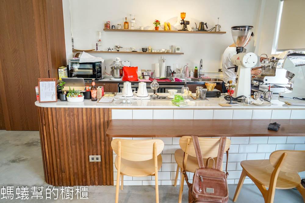 勾叁珈琲Góðan Dag Kaffi |  彰化田尾白色系房舍,田尾再添一處咖啡館,就在省道旁邊好找尋。