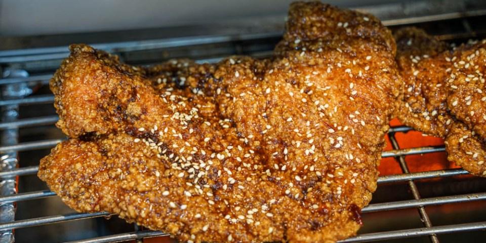 維縈家鄉碳烤雞排員林店   員林八條通美食小吃,先炸後烤醬香多汁雞排,近員林第一市場。
