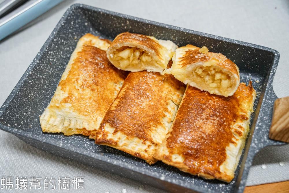 吐司蘋果派   免派皮,使用吐司製作簡單好吃,肉桂蘋果內餡,零失敗甜點。