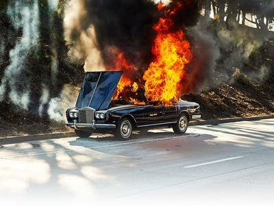 Burning Car Wallpaper Rolls Royce Portugal The Comeback Feel It Still Tops The Chart