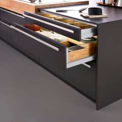 Kitchen Drawer Expandable Table 厨房抽屉 L3 Leicht