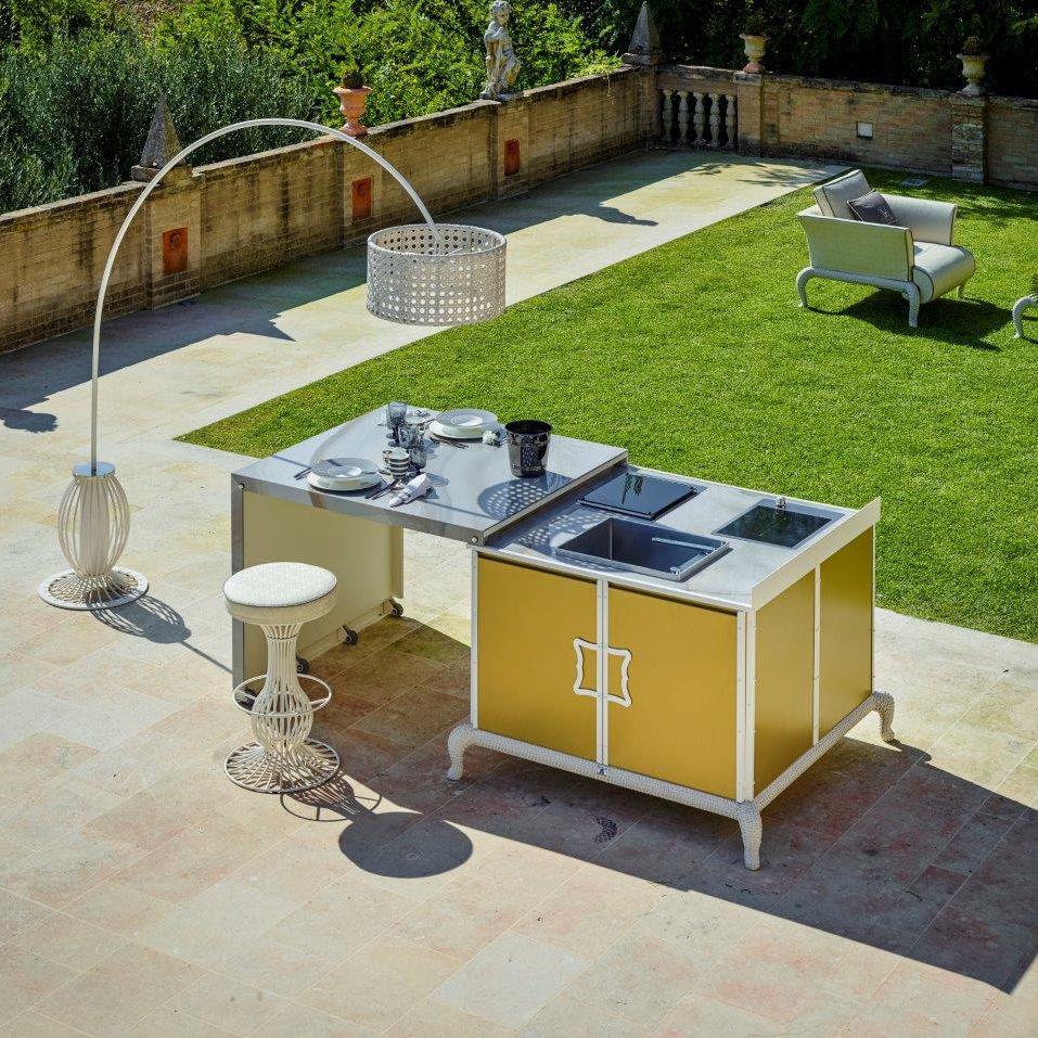 outdoor kitchen modules cabinet glass inserts 现代风格厨房 粉末涂层钢 瓷质 户外 island samuele mazza by dfn