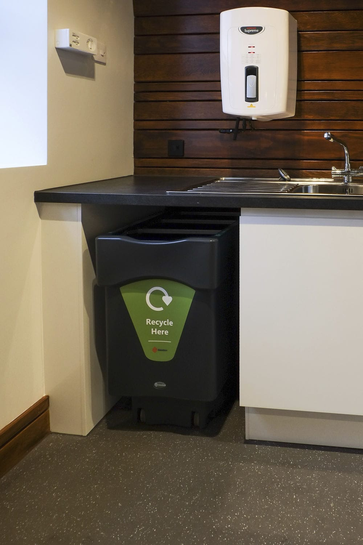 kitchen trash bin scoop 厨房垃圾桶 再生塑料 现代风格 垃圾分类 nexus caddy glasdon