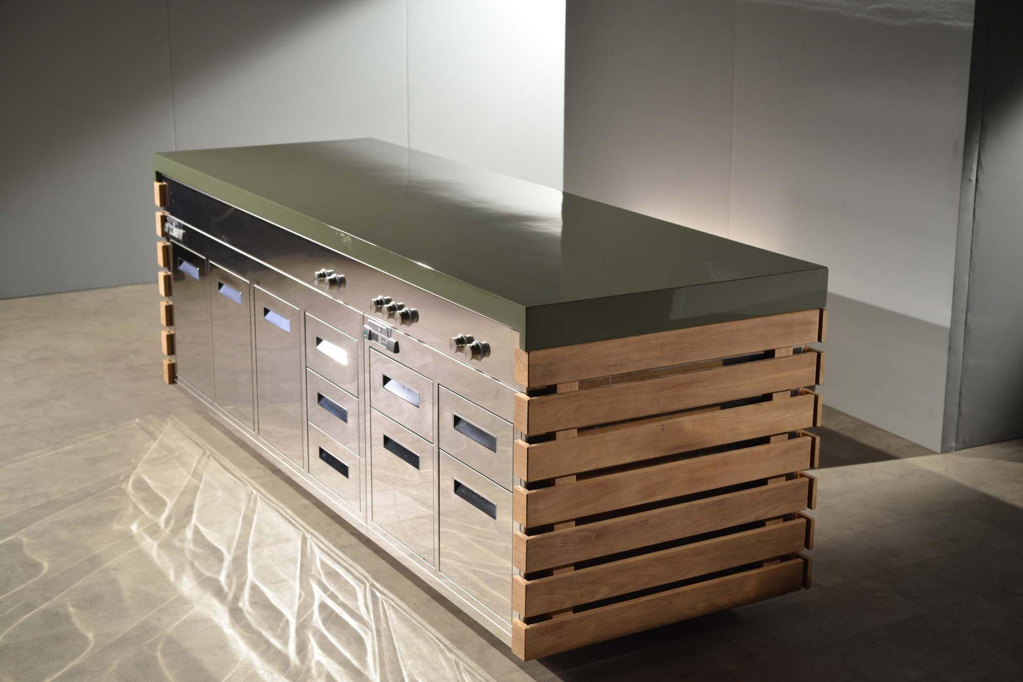 rolling island kitchen updated kitchens 现代风格厨房 不锈钢 玻璃纤维 岛台式 perpetua laboratorio mattoni