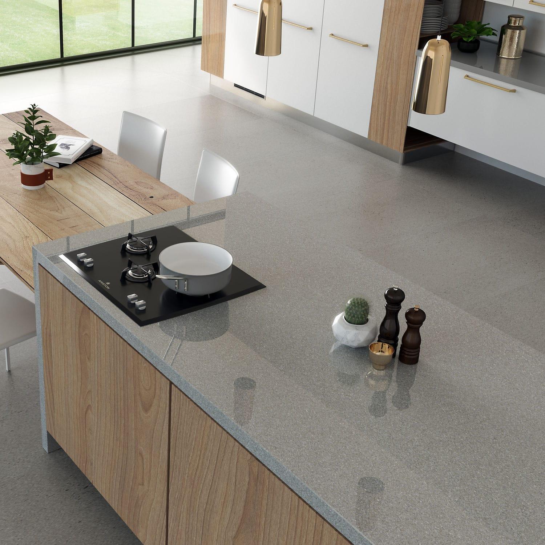 grey kitchen countertops grohe faucets lowes 复合材料厨房台面 厨房 灰色 manhattan cosentino