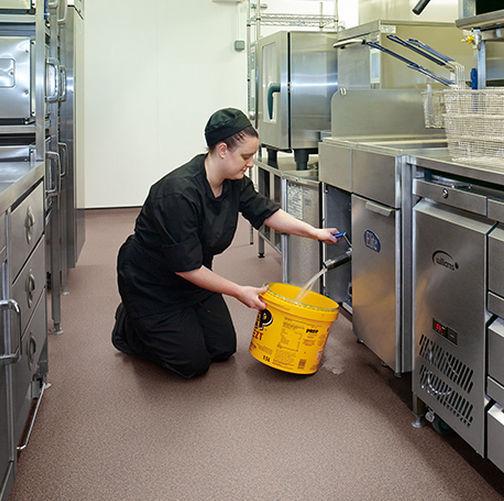 kitchen vinyl floor tiles island vent 乙烯基地面 商业 卷式 光滑 polysafe apex polyflor