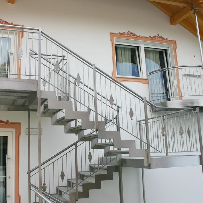 Straight Staircase Inox Design Half Turn Stainless Steel | Stainless Steel Baluster Designs | Balcony Steel Pipe | Catalogue | Ms Boundary Gate | House Staircase Steel Railing | Magandang