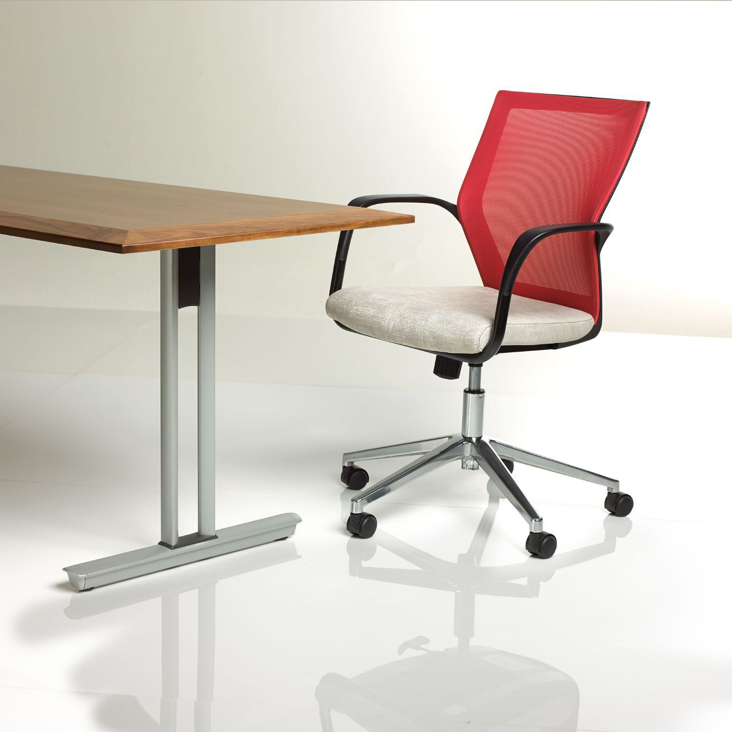 Ki Chairs Contemporary Office Chair On Casters Star Base With Armrests
