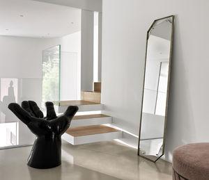 Sfoglia il catalogo online di specchi di design in promozione per arredare le pareti della vostra casa, acquista specchiere di design per arricchire ogni. Free Standing Mirror All Architecture And Design Manufacturers Videos