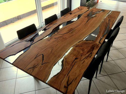 Potete optare, altrimenti, per i tavoli in legno allungabili,. Contemporary Dining Table Sahara Antico Trentino Di Lucio Srl Wooden Resin Wooden Base