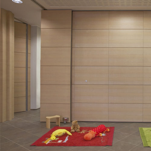 sliding and stacking partition / wooden / professional / acoustic