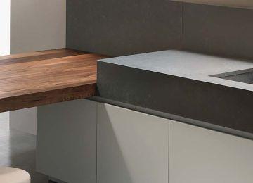 Piano Da Lavoro Cucina | Palazzo Moderno Dispone Di Una Cucina Oltre ...