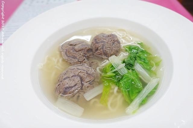 宜蘭五結 ▌黃金牛牛肉麵 強調養生的清爽牛肉麵 / Google評分4.5顆星